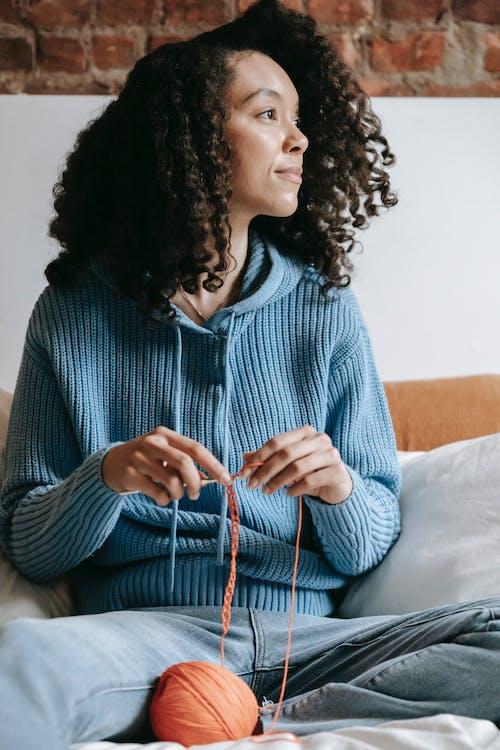 Безкоштовне стокове фото на тему «афро, афро-американська жінка, безтурботний»