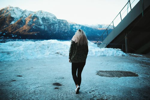 Foto stok gratis berjalan, cewek, dingin, Es