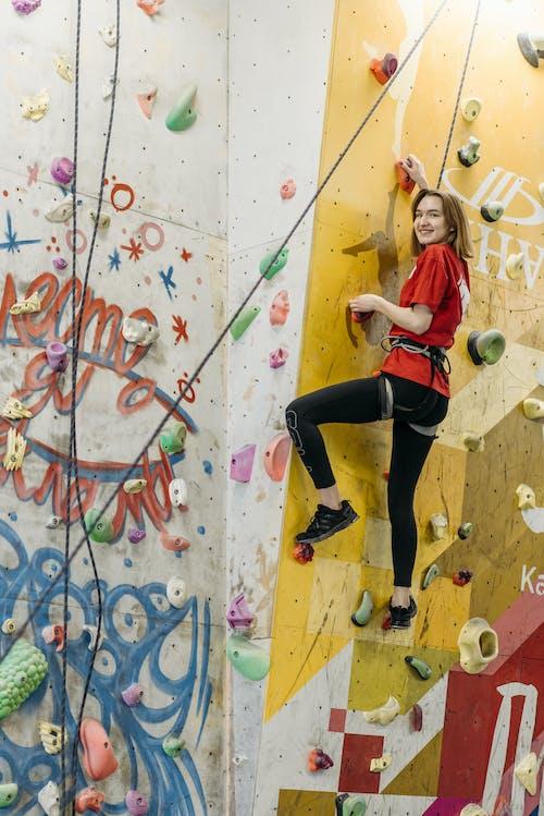 Безкоштовне стокове фото на тему «альпінізм, альпініст, вертикальні постріл»