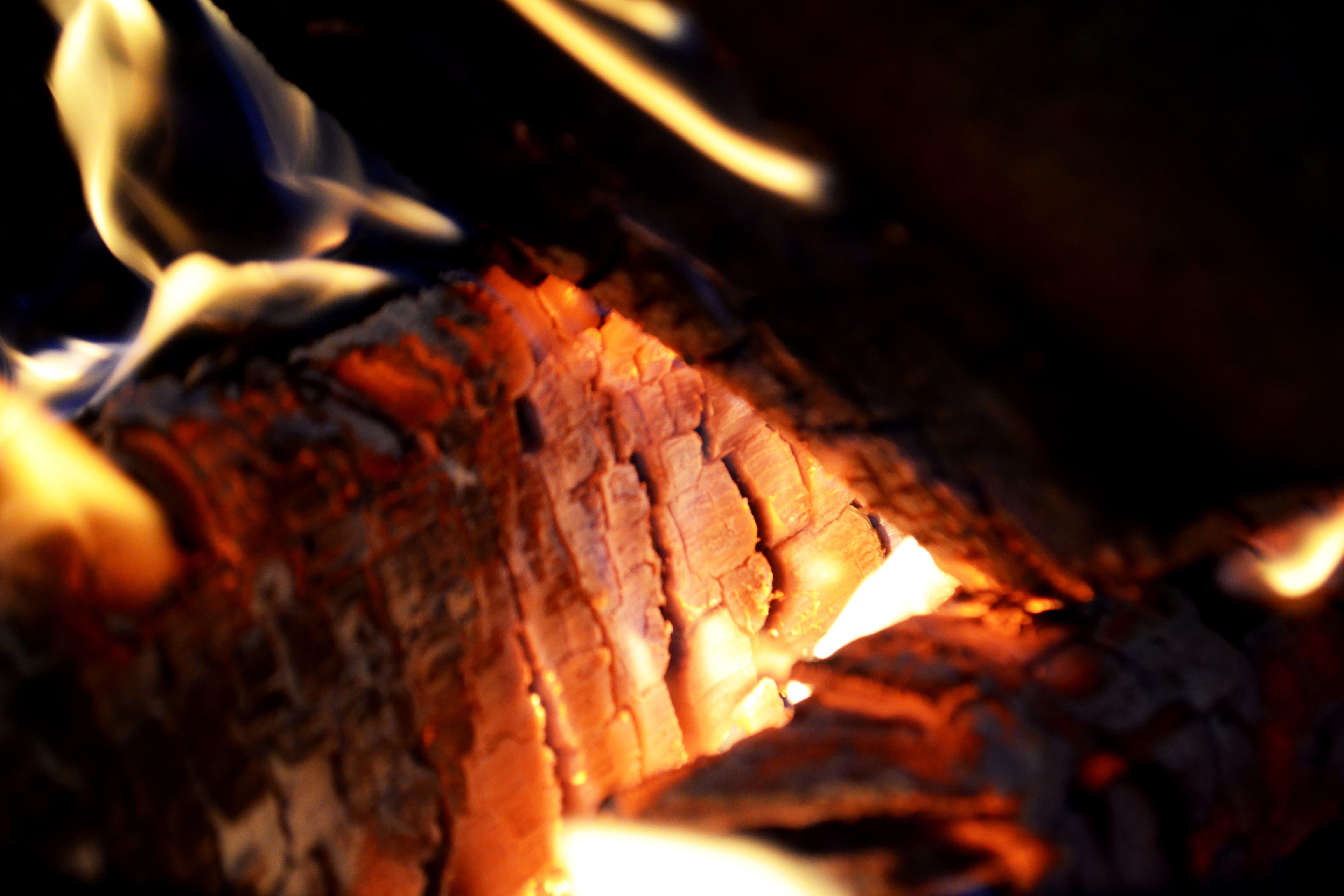 Kostenloses Stock Foto zu asche, brand, brennen, brennhölzer