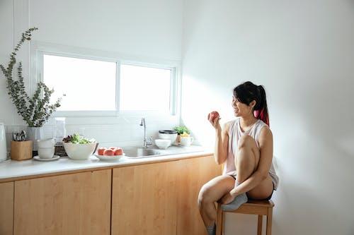 Gratis stockfoto met appel, apple, Aziatische vrouw