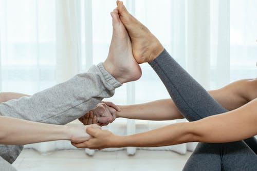 Kostenloses Stock Foto zu achtsamkeit, acro yoga, akrobatisch