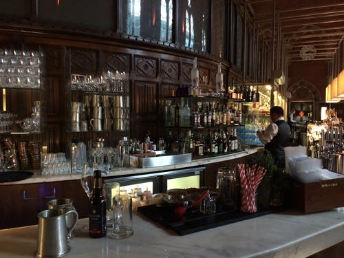 Free stock photo of Pub at St Pancras Hotel