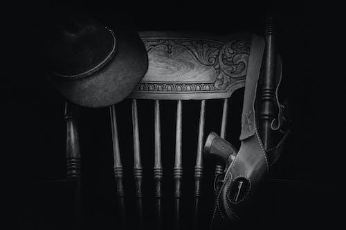 Immagine gratuita di antico, arte, bianco e nero, cappello