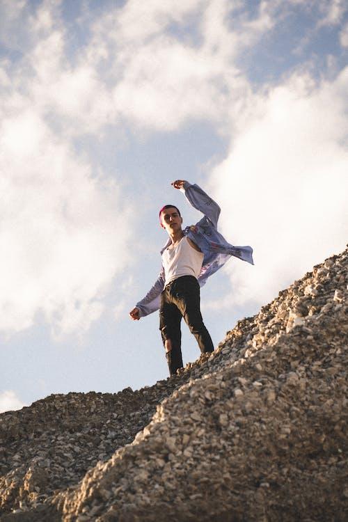 Δωρεάν στοκ φωτογραφιών με Gay Pride, αναρρίχηση, αναρρίχηση σε βράχια