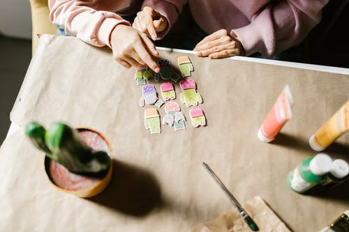 Безкоштовне стокове фото на тему «виготовлення ремесел, всередині, декоративно-прикладне мистецтво»