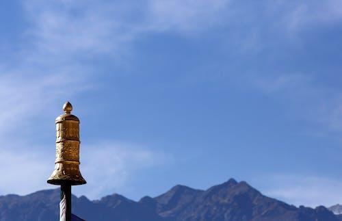 Foto d'estoc gratuïta de campana, cel, cel blau, llum del dia