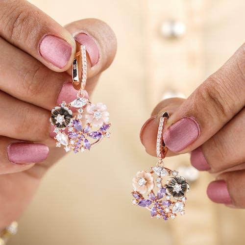 Photos gratuites de bijoux, bijoux en diamants, boucle d'oreille