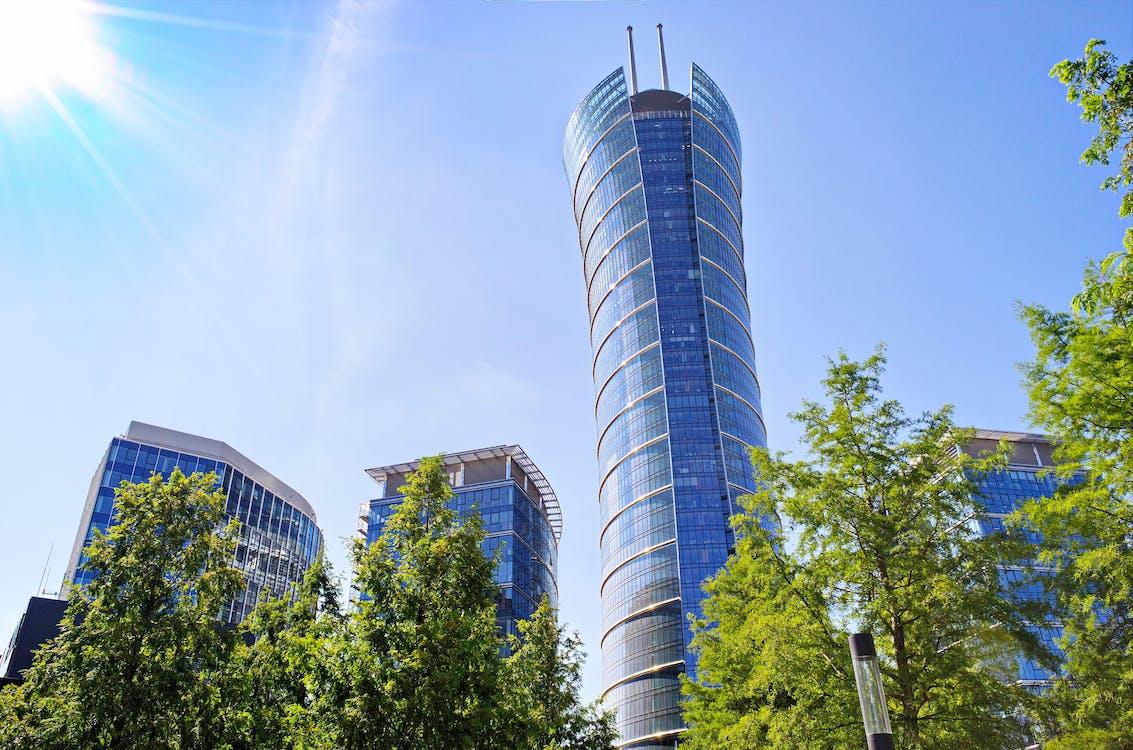 arkitektur, blå himmel, by