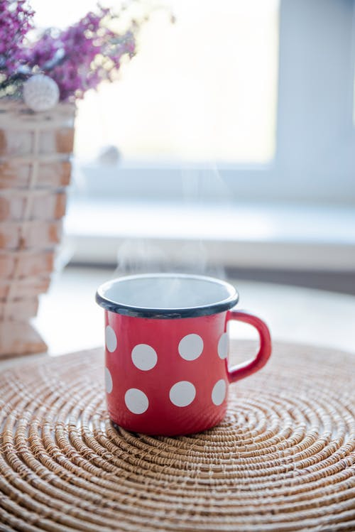 Immagine gratuita di attraente, bevanda, bianco, caffè
