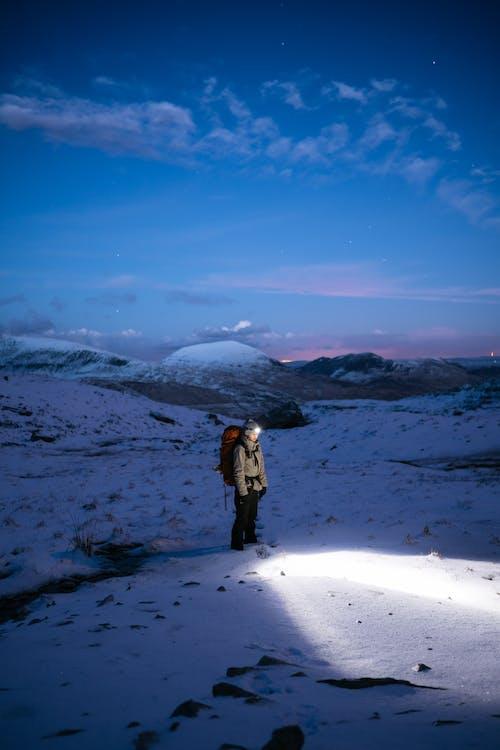 คลังภาพถ่ายฟรี ของ กระเป๋าเป้, กลางคืน, กลางแจ้ง, การปีนเขา
