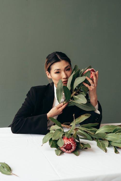 Бесплатное стоковое фото с азиатка, аромат, безмятежный