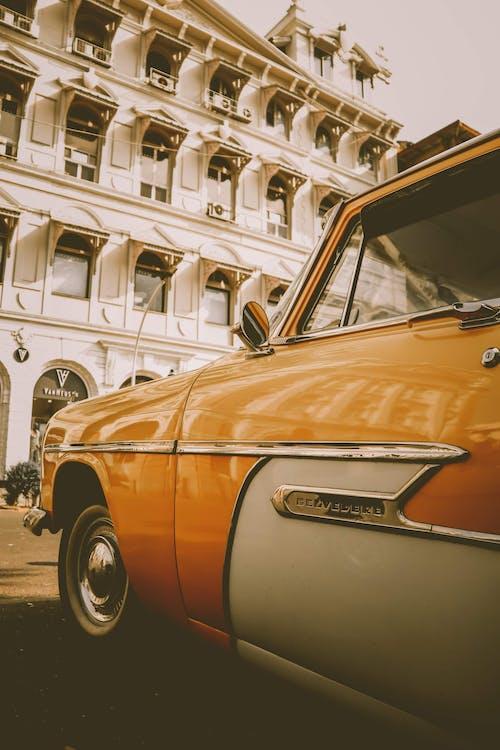 Δωρεάν στοκ φωτογραφιών με vintage, Άνθρωποι, ανοιχτό αυτοκίνητο