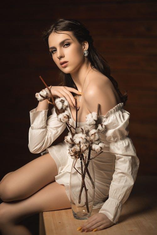 Základová fotografie zdarma na téma bavlna, dáma, dlouhé vlasy