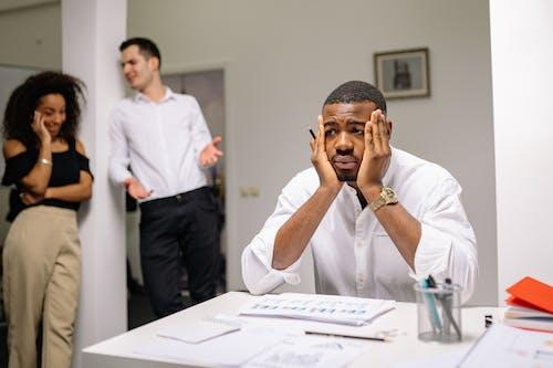 Foto profissional grátis de abuso, adulto, ambiente de trabalho