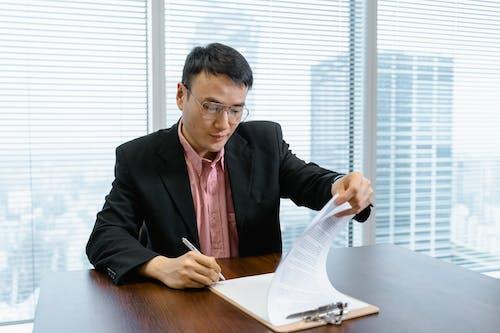Photos gratuites de businessman, chef, documents
