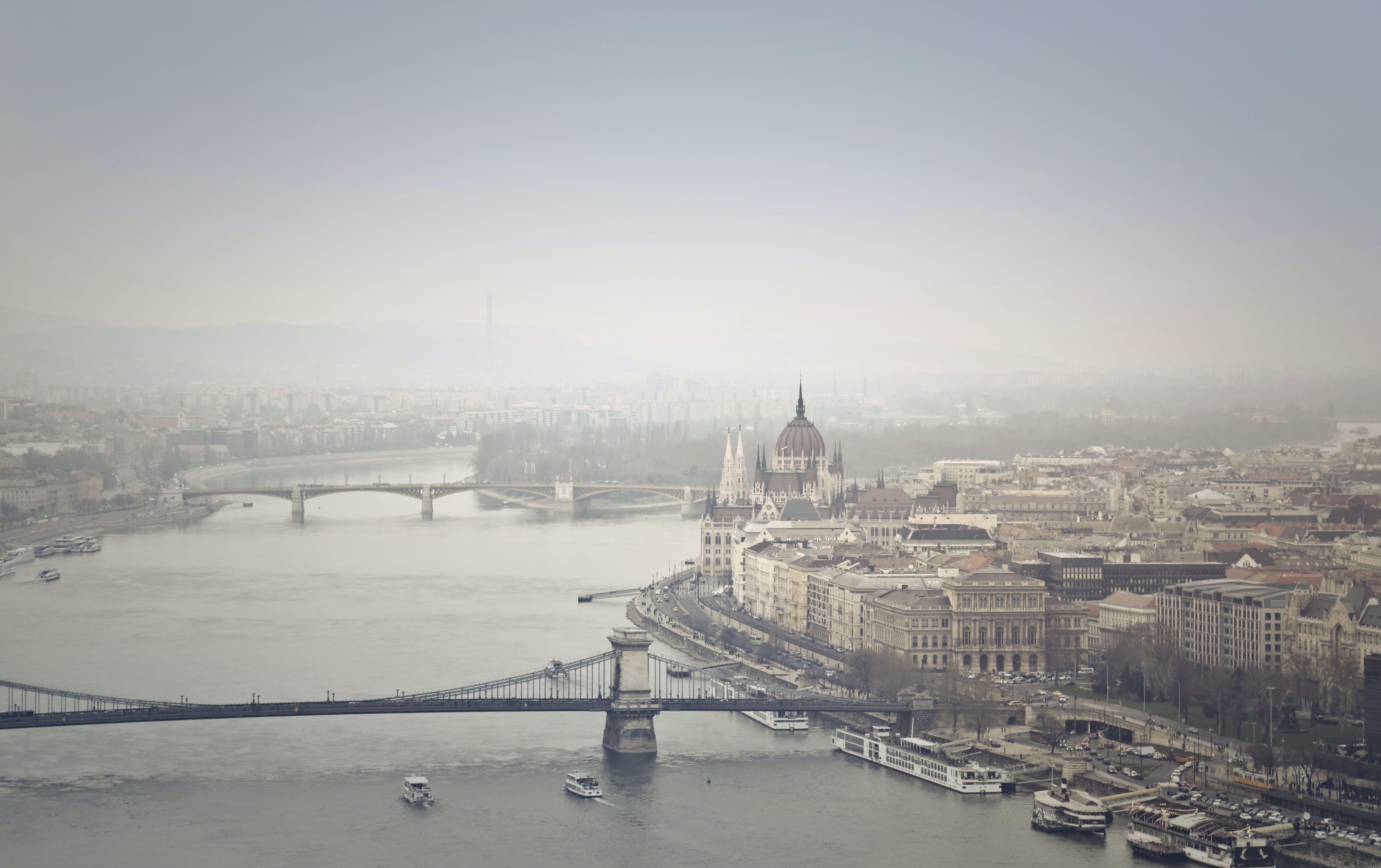 Základová fotografie zdarma na téma architektura, Budapešť, budovy, čluny