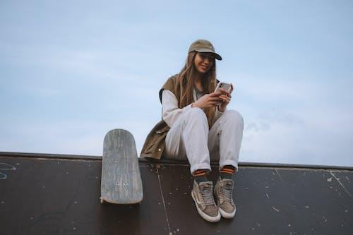 Δωρεάν στοκ φωτογραφιών με skateboard, skateboarder, street wear