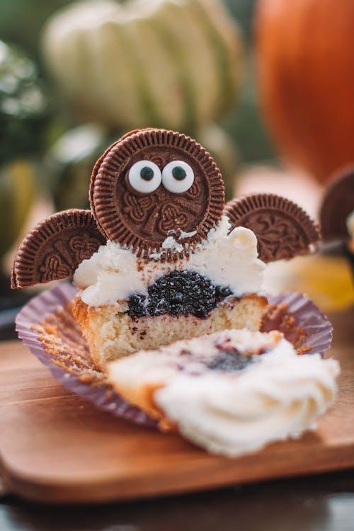 Gratis stockfoto met bakken, bakkerij, cake