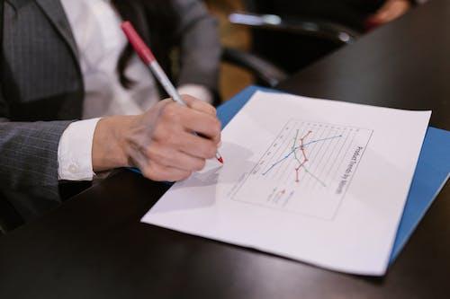 Fotos de stock gratuitas de bolígrafo, documento, escribiendo