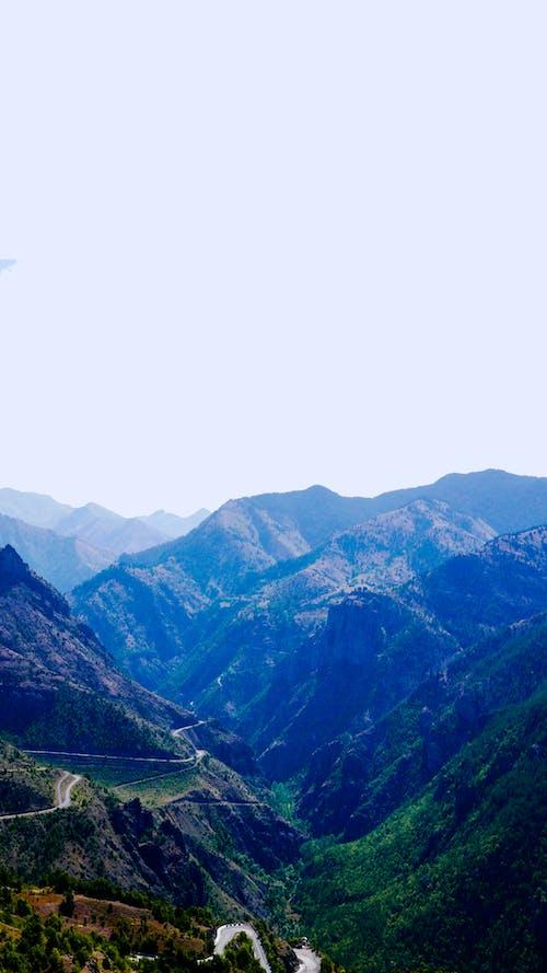 Безкоштовне стокове фото на тему «гора, гори, Денне світло, дорога»