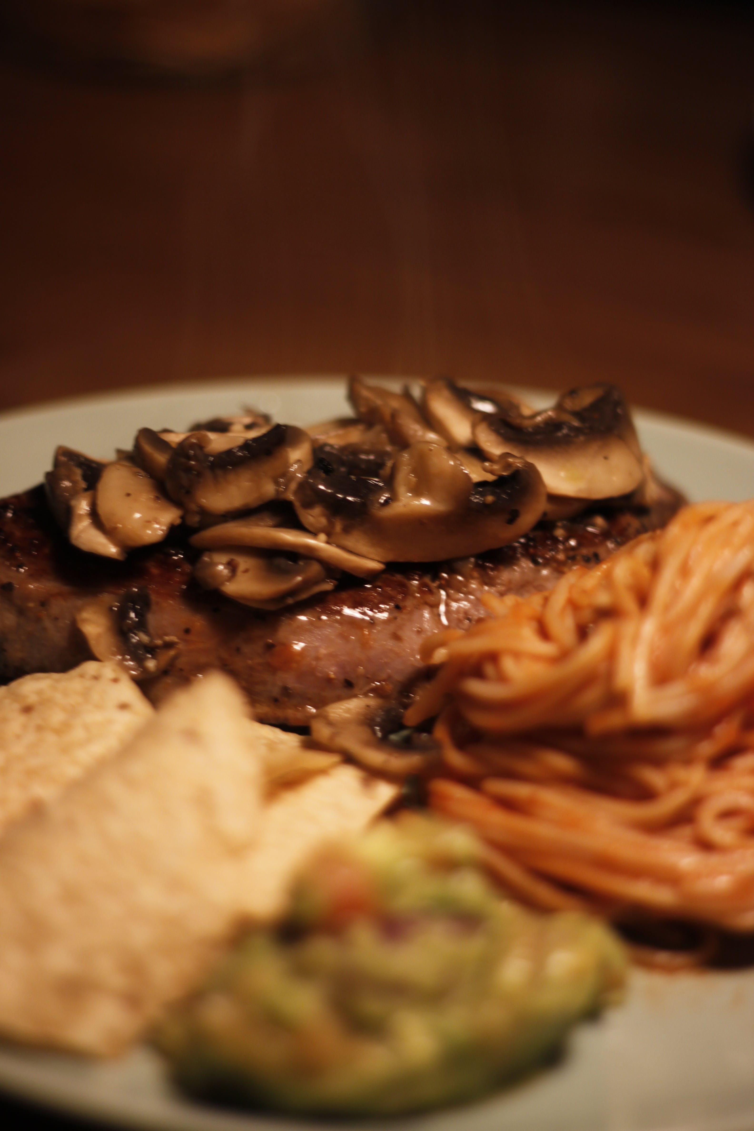 Kostenloses Stock Foto zu abendessen, essen, fleisch, genießer