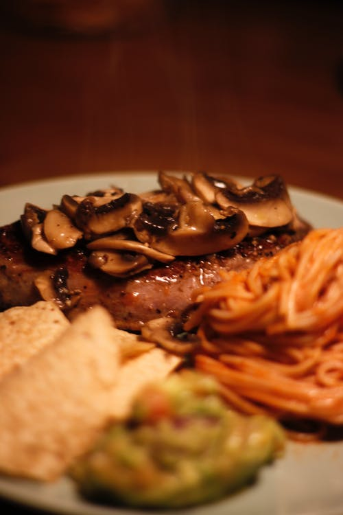 Steak With Mushroom And Spaghetti