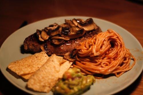 Gratis stockfoto met avondeten, biefstuk, bord, diner