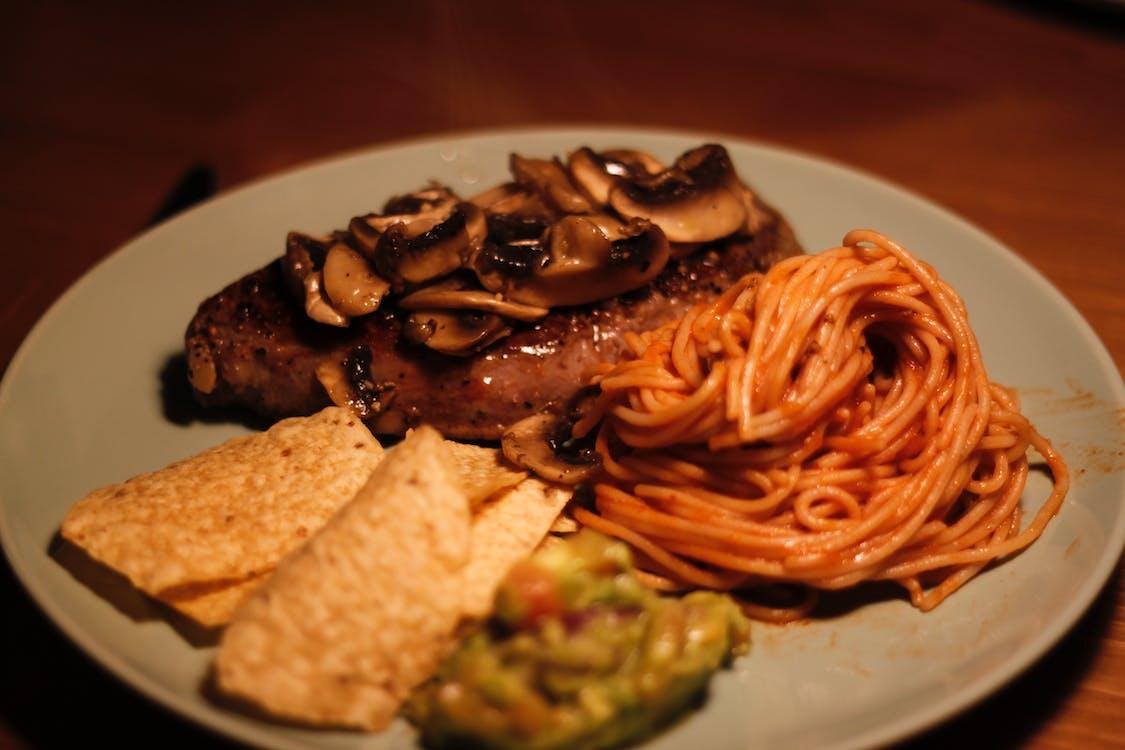 Steak With Mushroom And Spaghetti
