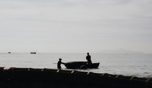 Бесплатное стоковое фото с весельная лодка, вода, водный транспорт, волны