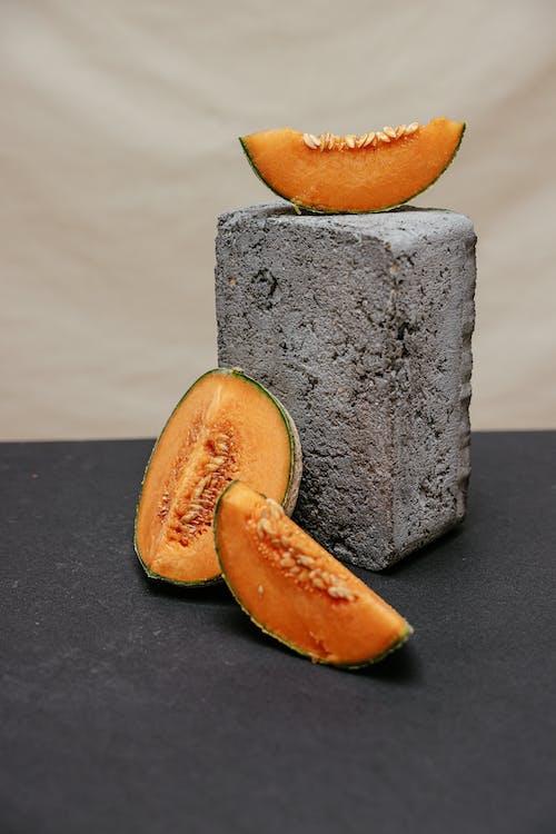คลังภาพถ่ายฟรี ของ บล็อกคอนกรีต, ผลไม้, ผลไม้ชิ้น