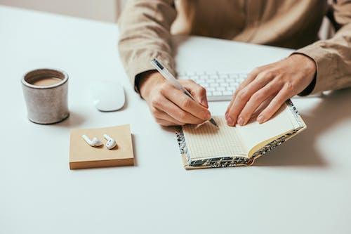 Бесплатное стоковое фото с блокнот, крупный план, писание от руки