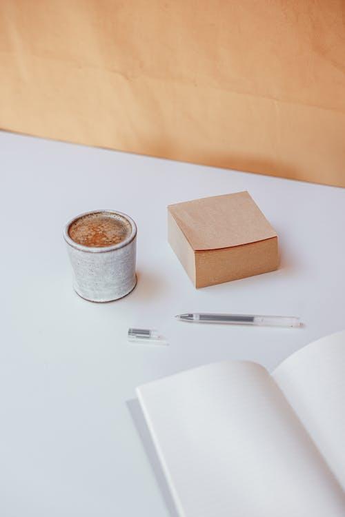 Gratis lagerfoto af cappuccino, drink, huskeseddel
