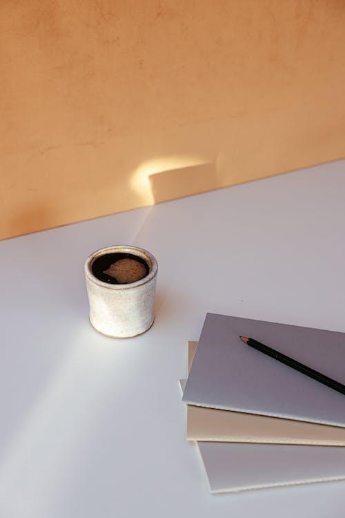 Foto stok gratis buku catatan, kafein, minuman