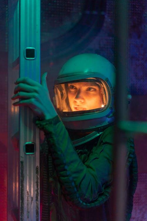 Fotos de stock gratuitas de actuación, adulto, astronauta