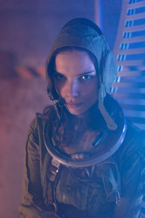Gratis lagerfoto af ansigtsudtryk, astronaut, futuristisk