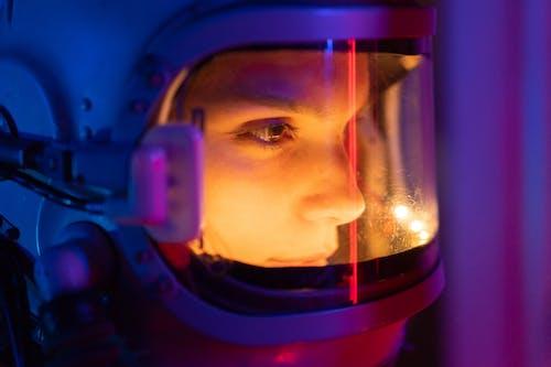 Photos gratuites de adulte, astronaute, brouiller