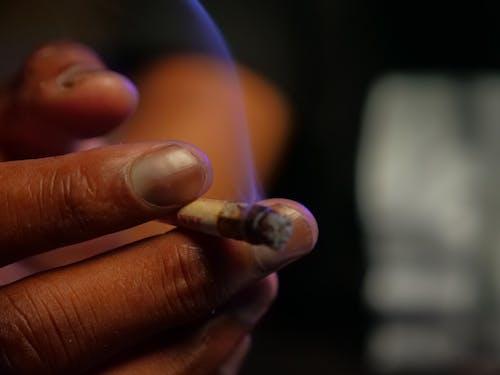 Gratis stockfoto met aangedaan, blurry achtergrond, brandend