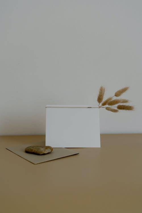 Бесплатное стоковое фото с абстрактный, бумага, дерево