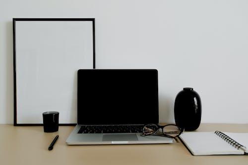 Бесплатное стоковое фото с беспроводной, бизнес, бумага