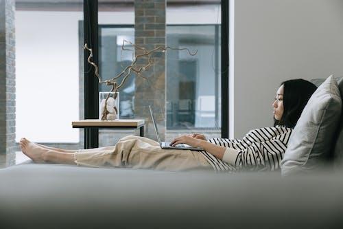 亞洲女人, 亞洲女性, 在家工作 的 免費圖庫相片