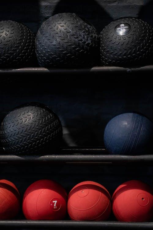 Základová fotografie zdarma na téma crossfit, cvičební náčiní, cvičení míč