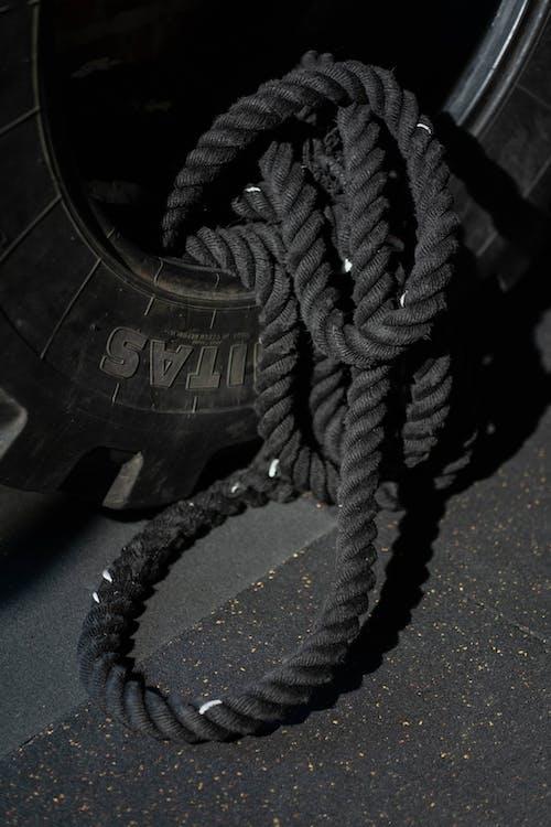 Základová fotografie zdarma na téma cvičební náčiní, lano, pneumatika