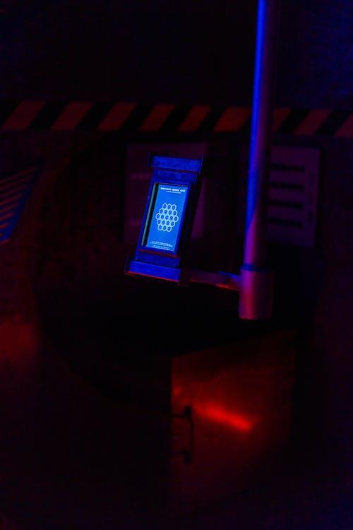 Kostenloses Stock Foto zu beleuchtet, drinnen, dunkel