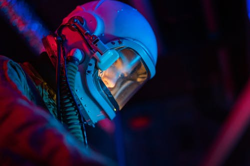 Darmowe zdjęcie z galerii z astronauta, czółenko, dorosły