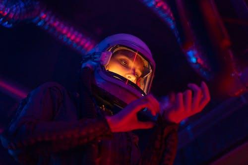 Immagine gratuita di adulto, astronauta, cosmonauta