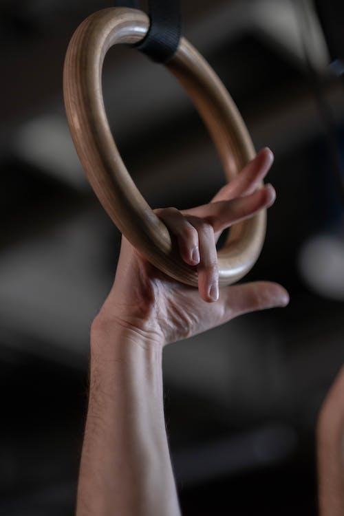 Gratis arkivbilde med dybdeskarphet, fingre, fortsatt ringer