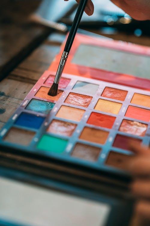 Foto profissional grátis de cheio de cor, colorida, cosméticos