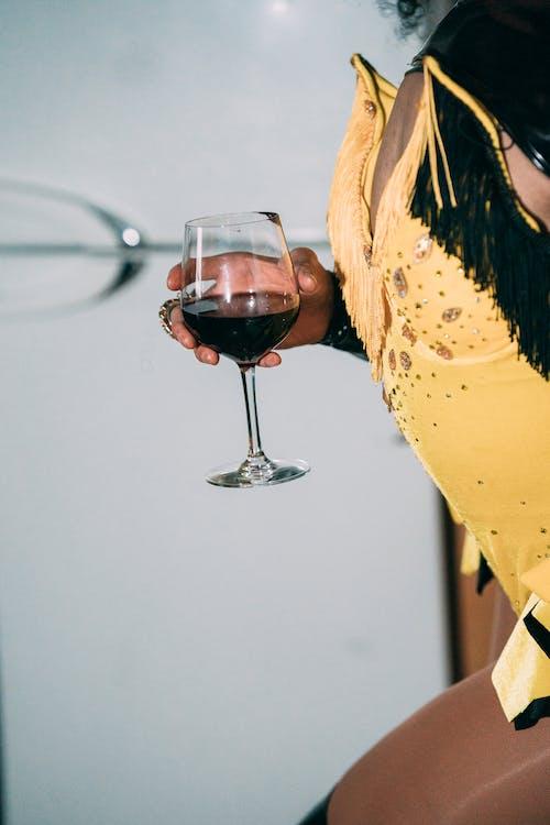 Fotos de stock gratuitas de adentro, afroamericano, alcohol
