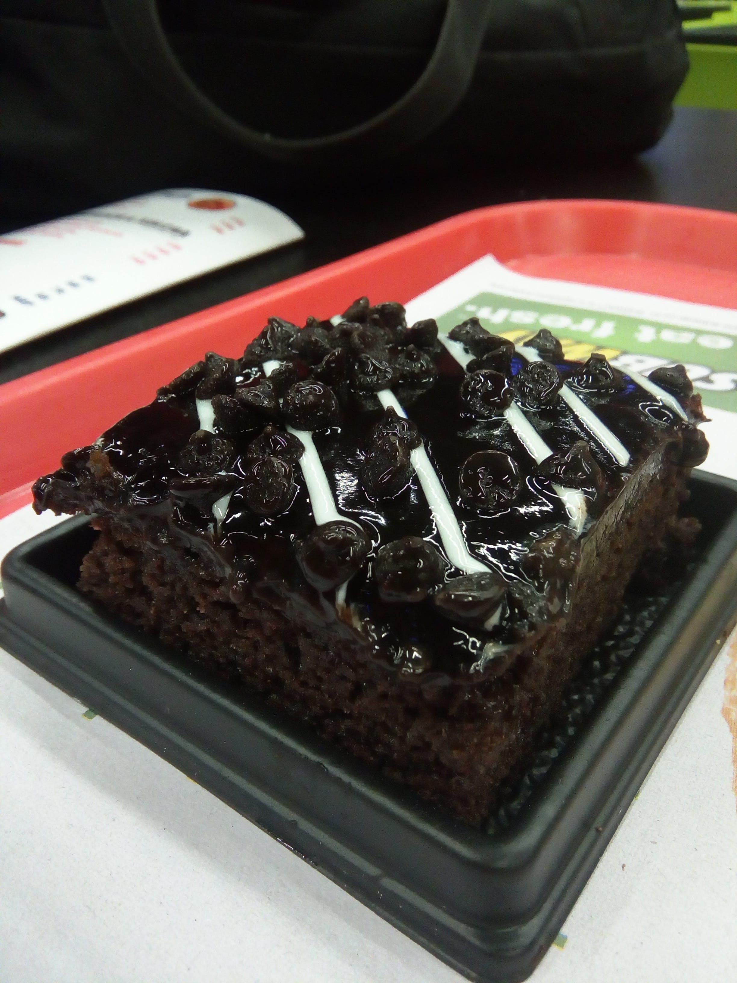 Free stock photo of birthday cake, cake, chocolate cake, chocolate cupcakes